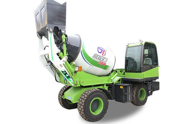 使用水泥自上料搅拌车如何节省燃油?